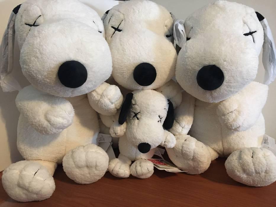 Uniqlo Kaws X Uniqlo Large Peanut Snoopy Plush Animal Size One Size
