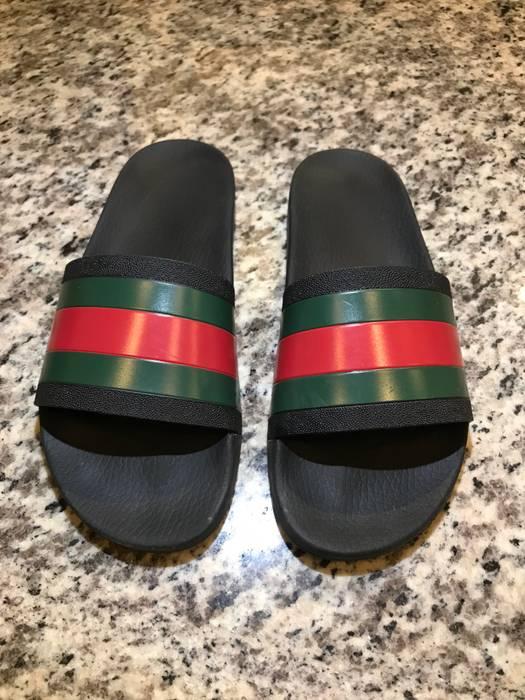 0ea0dead09f Gucci Pursuit  72 Rubber Slide Sandal Size 10 - Sandals for Sale ...