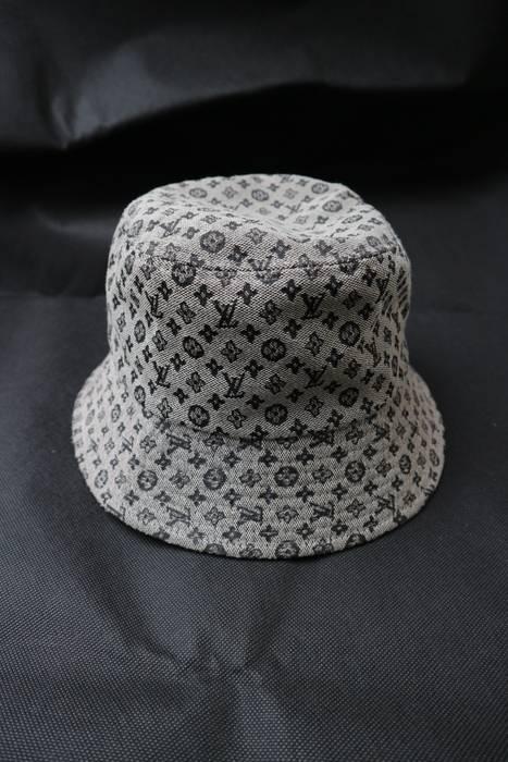 Louis Vuitton Louis Vuitton Monogram bucket hat not versace fendi ... 4ac2f966c18