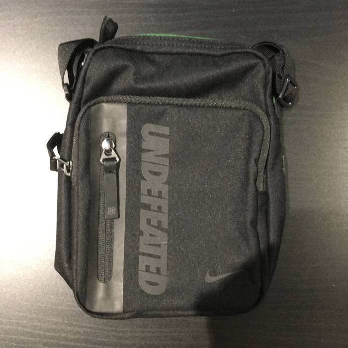 7546247f33c8 Nike Nike Tech Side Bag Undefeated Size one size - Bags   Luggage ...