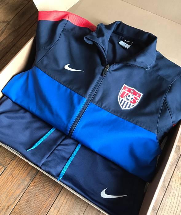 Nike. Nike USA Olympics Soccer Full Zip Light Windbreaker Jacket   Pants  Red White Navy Blue ... da15c84ef