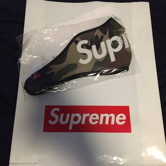 61412843bed1 ... Supreme Neoprene Face Mask Camo Size ONE SIZE ...