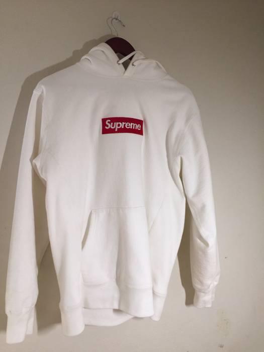 Supreme Supreme FW16 Classic Red on White Box Logo Hoodie Size US L   EU 52 f74f81442