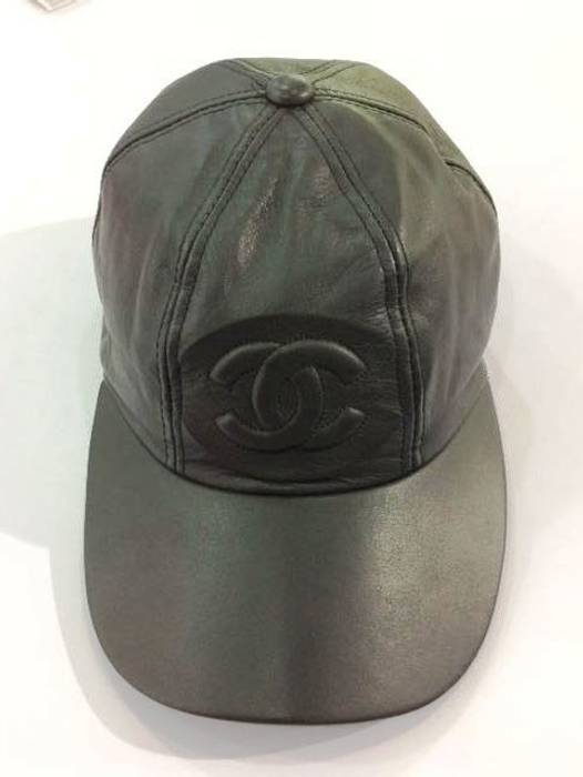 Vintage Vintage CHANEL Hat Leather Size one size - Hats for Sale ... a0f34ba8294