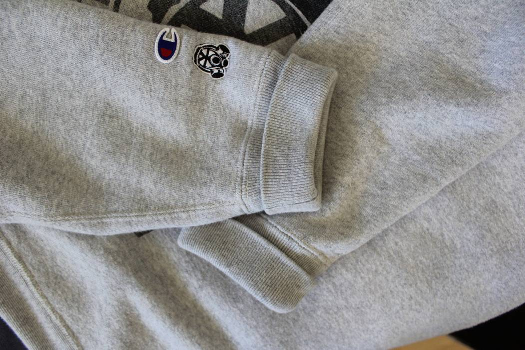 719d63ceaa98 Champion champion x footpatrol hoodie london limited supreme collaboration  rare size XL Size US XL