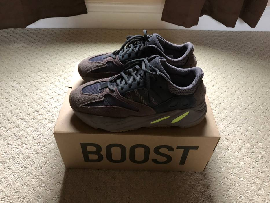 9a1d7294854 Adidas Kanye West Yeezy 700 Mauve Size 9 - Low-Top Sneakers for Sale ...