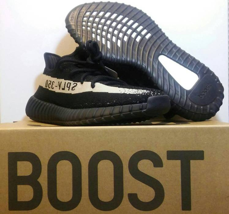 98a0d73580abb Yeezy Boost Adidas Yeezy Boost 350 V2 Core Black White Size 10 - Low ...