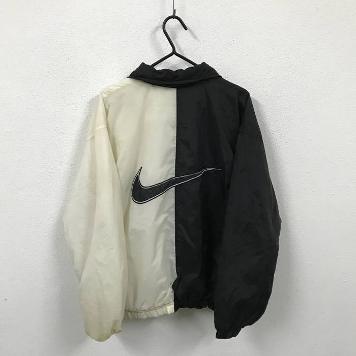 1cdfbe7909c3 Nike Nike Big Logo Black   White Jacket Size l - Bombers for Sale ...