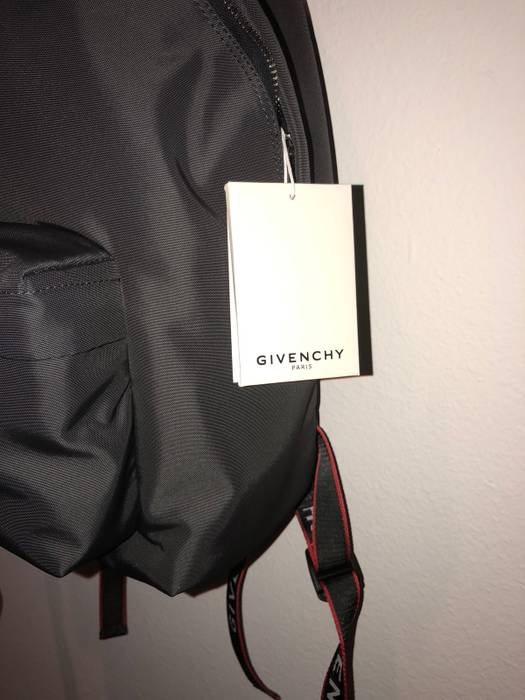62f9939e56d4 Givenchy Givenchy Classic Backpack Size one size - Bags   Luggage ...