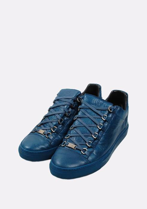 Balenciaga. Original Balenciaga Arena Leather Blue Men Low Top Sneakers ... f5824f95f