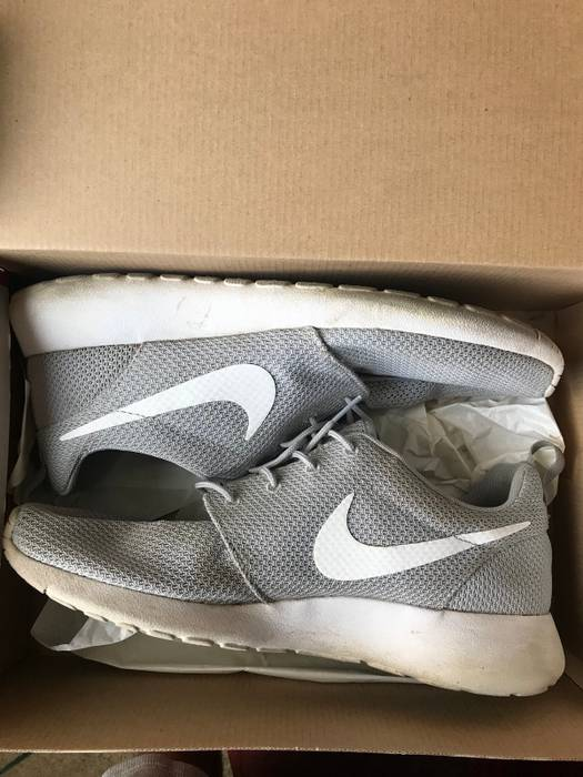 Nike Roshe Rum Size 10.5 - Low-Top Sneakers for Sale - Grailed 94e821c4dcb7