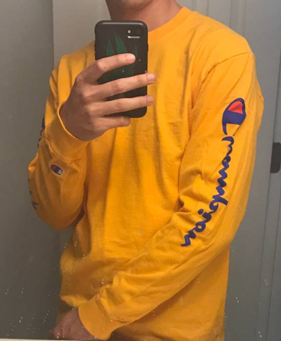 Champion Champion Script Gold Long Sleeve Size m - Long Sleeve T ... 5f11a1886