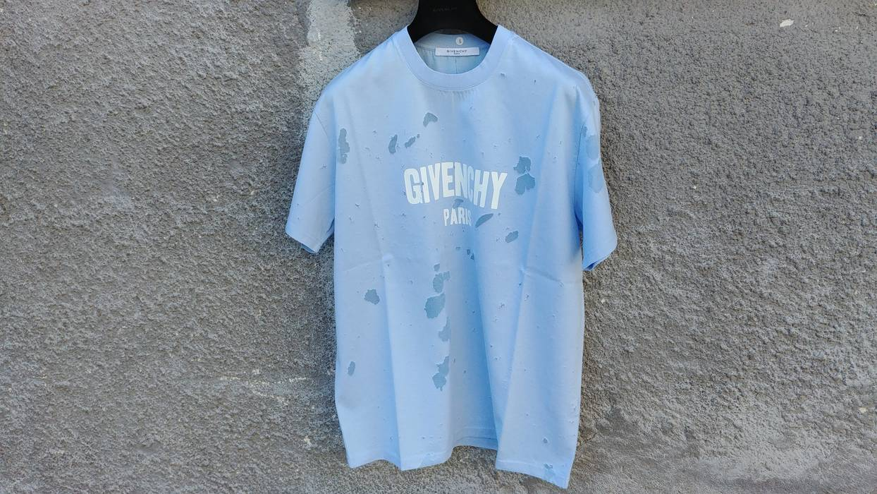 Givenchy Givenchy Baby Blue Destroyed Distressed Logo Shark Oversized T-shirt  size S (L 71ffc19605da