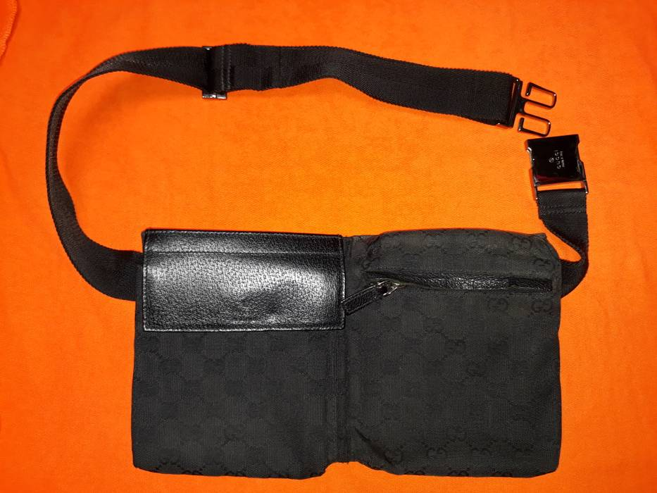 84880683376c14 Gucci LAST DROP !! Gucci GG Black Canvas Waist bag/ fanny pack Size ...