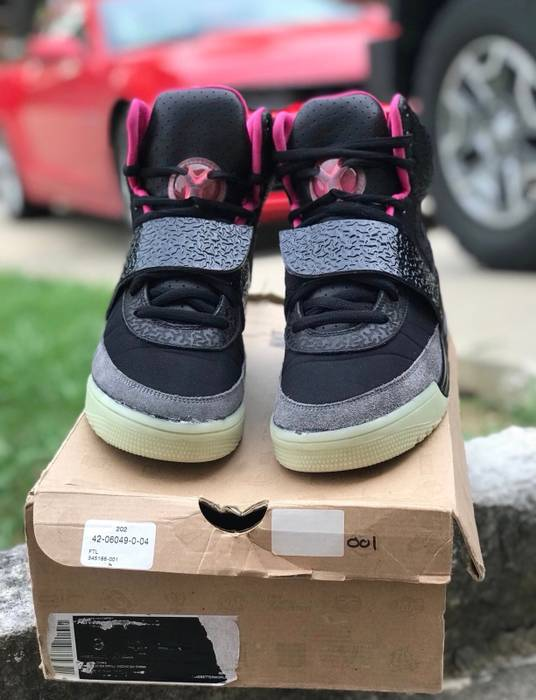 new products 63bba f0ec9 Nike Nike Air Yeezy 1 Blinks Size 8 Size US 8  EU 41