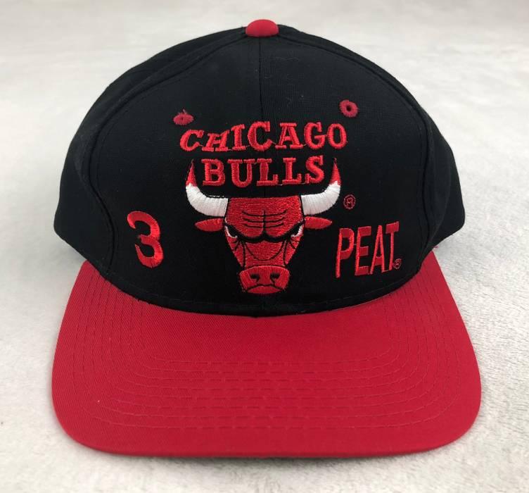 Chicago Bulls Vintage Chicago Bulls 1993 Championship Snapback Hat Cap 3- Peat Black Red Size 7acdf4a62d7b