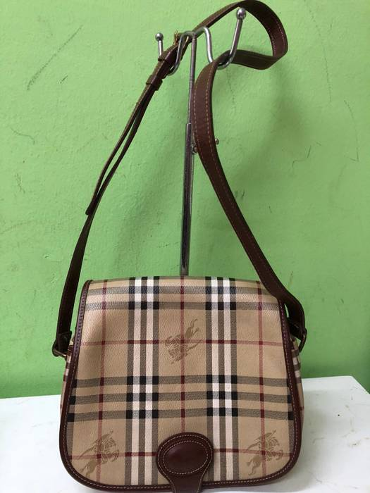 Burberry Burberry Sling Bag Size 30 - Bags   Luggage for Sale - Grailed b4d9366594193