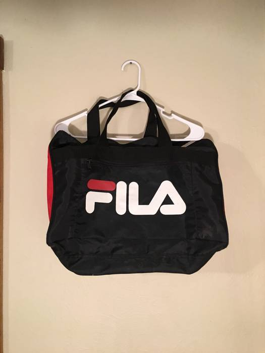 baa541ce9c Fila Small vintage Fila gym bag Size one size - Bags   Luggage for ...