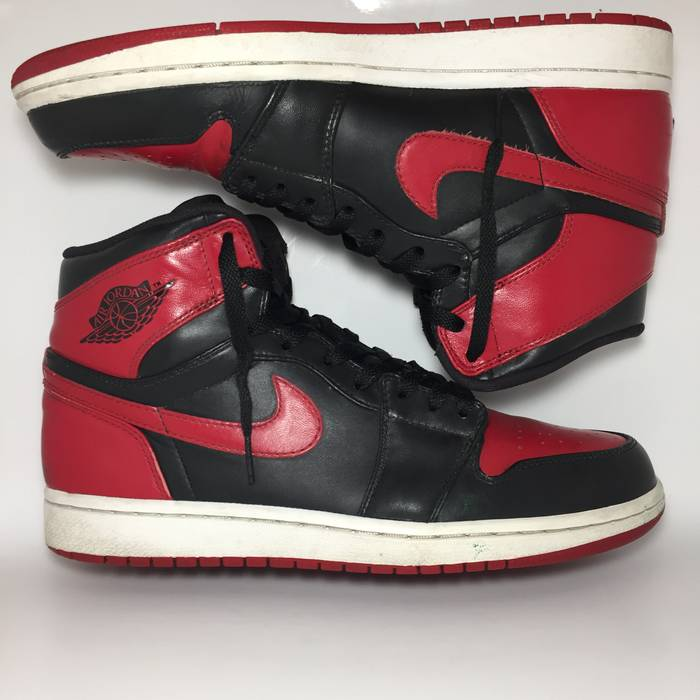 5be6cf5b4be Jordan Brand. NIKE AIR JORDAN ONE 1 BRED BANNED BLACK RED RETRO. Size  ...