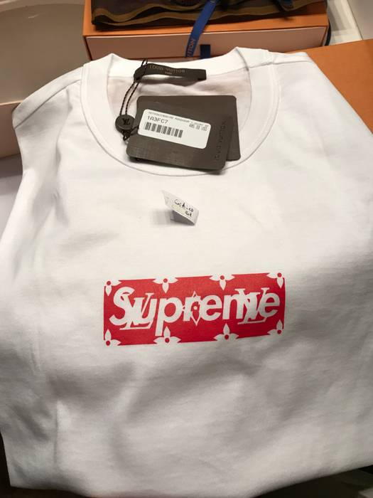 fb79a53f67a7 Supreme Supreme Louis Vuitton box logo tee shirt sz xl with receipt 100%  authentic Size