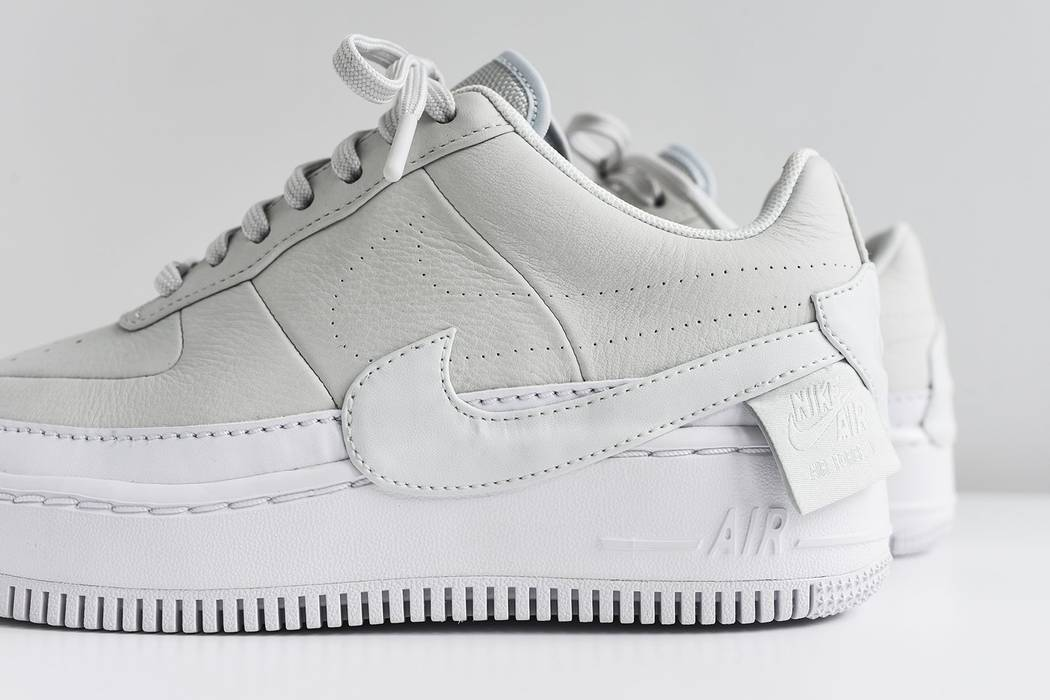 Nike NIKE WMNS AIR FORCE 1 JESTER XX OFF WHITE Size 10.5 - Low-Top ... 5914d075e