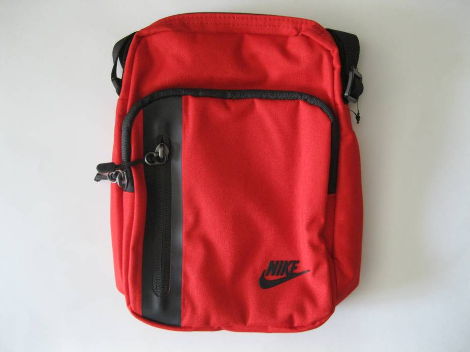 Nike Tech Small Items Messenger Red Size one size - Bags   Luggage ... 251d2208d2