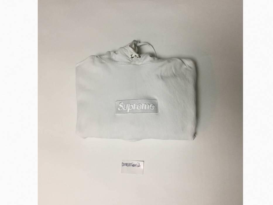 f0cd6bc86f97 Supreme Supreme White Tonal Box Logo Size l - Sweatshirts   Hoodies ...