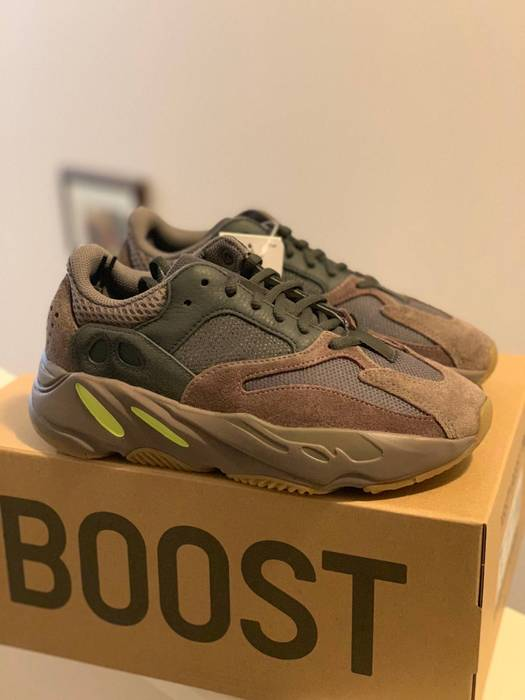 fc1ddb73ec5 Adidas Adidas Yeezy Boost 700 Mauve Size 9 - Low-Top Sneakers for ...