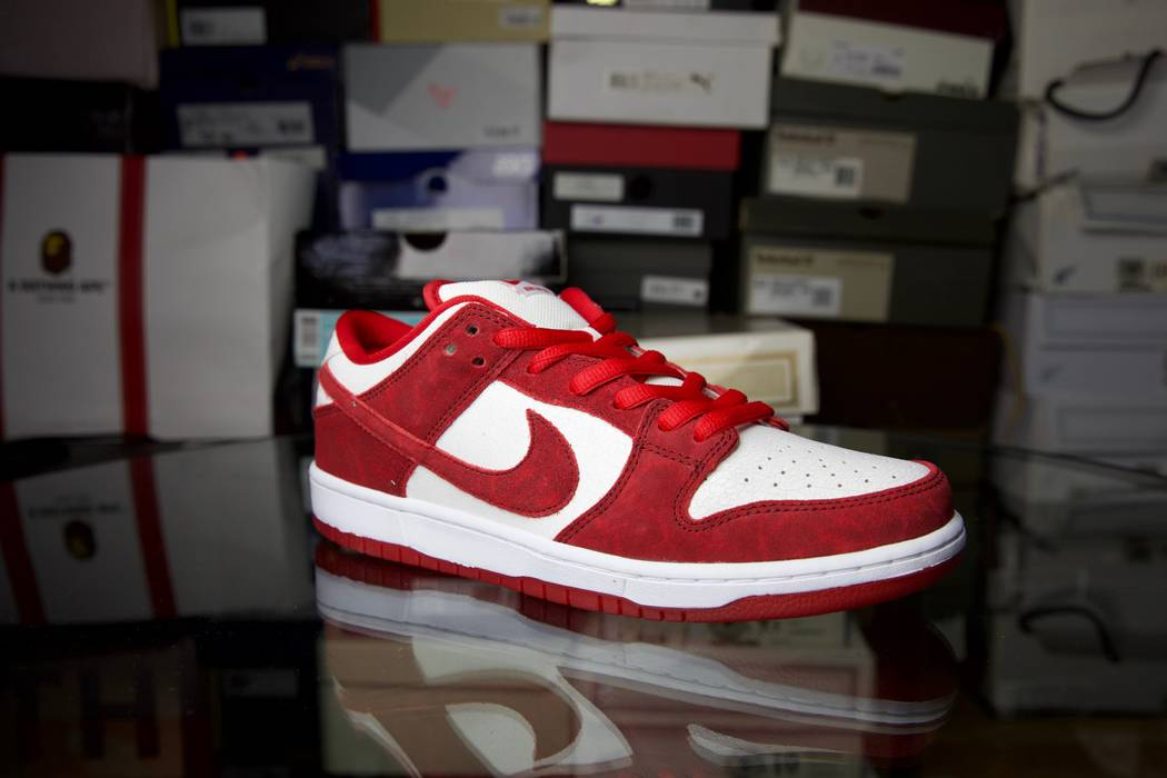 Nike Nike Dunk Low Premium Sb Valentines Day Size 10 Low Top