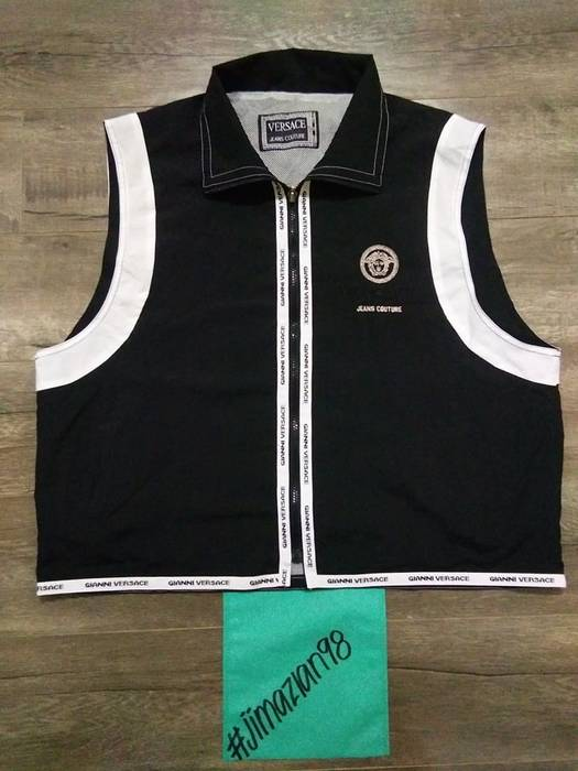 b5e051df38c4 Versace × Versace Jeans Couture. Vintage Gianni Versace Embroidered Medusa  Vest   Sleeveless Jacket   Made in Italy. Size  US L   EU 52-54 ...