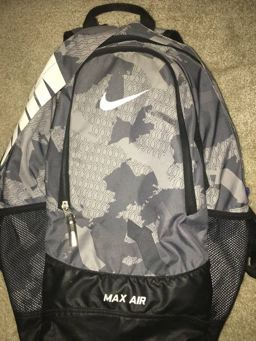 c5f1dea0cf7 Nike Nike Air Max Backpack Blue Camo Size one size - Bags   Luggage ...