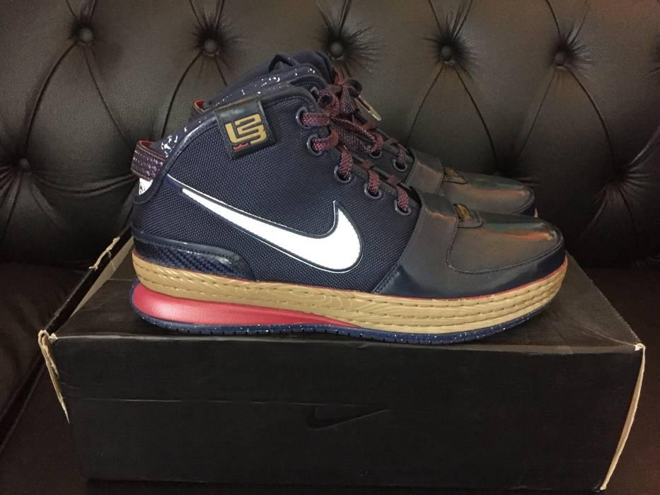 sports shoes 64bba df3d0 Nike. Zoom Lebron VI Chalk