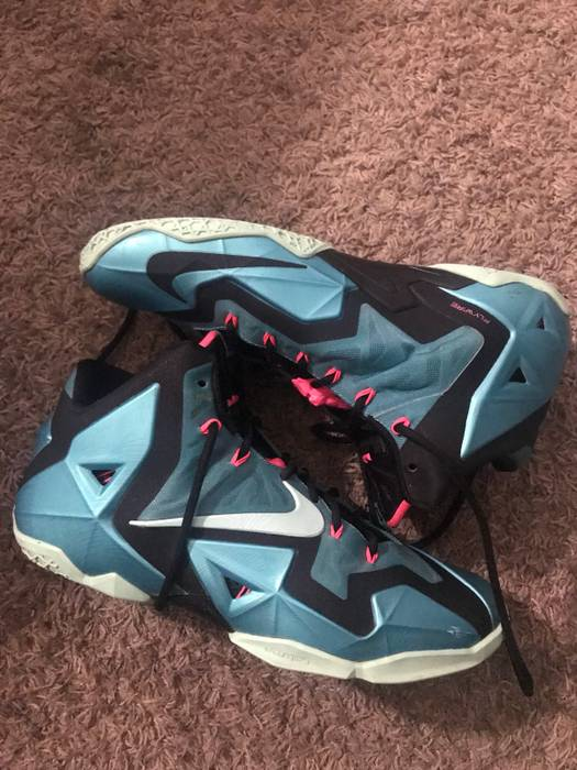 133bbc2002a7d7 Nike south beach lebron 11 Size 11.5 - Hi-Top Sneakers for Sale ...