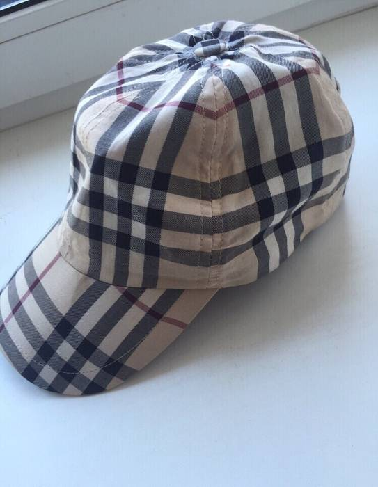 Burberry Burberry Plaid Hat Size one size - Hats for Sale - Grailed 0561d6ce39c