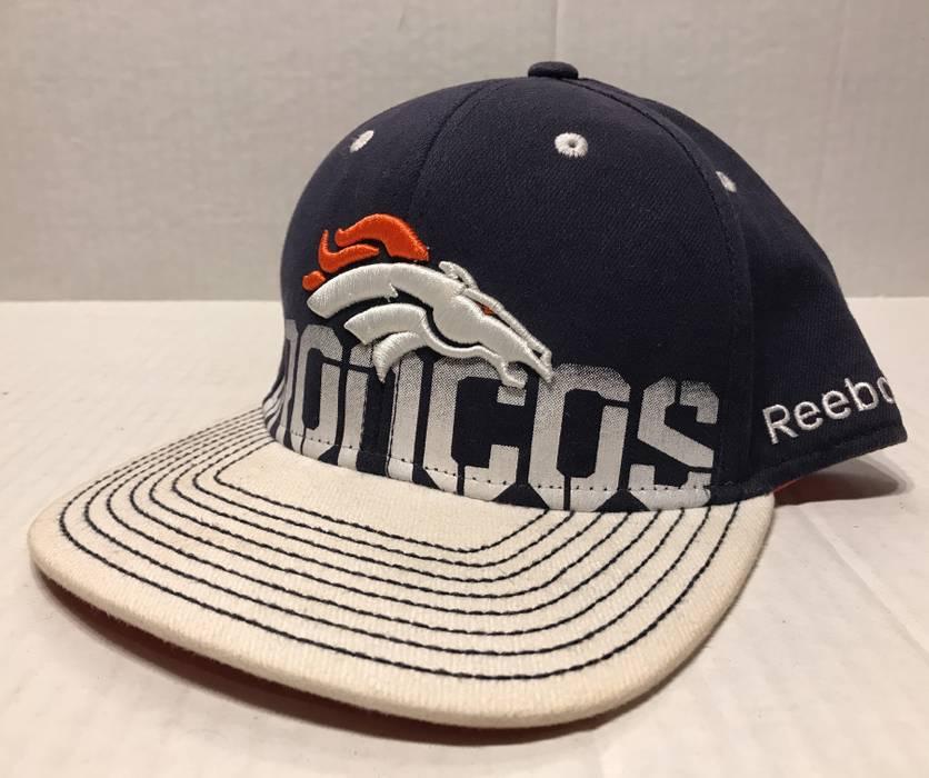 Reebok Denver Broncos Reebok On Field NFL Football Fitted Hat Cap Mens Size  L XL 4bde609d4e2d