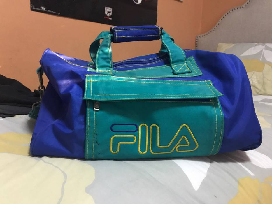 fbfc02b29f08 Vintage Vintage FILA Duffle Bag Size one size - Bags   Luggage for ...