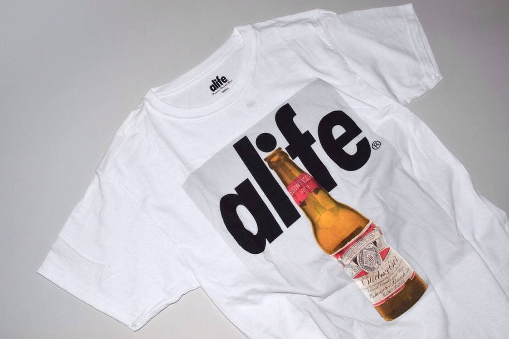 Alife Bottle Tee Size xxl - Short Sleeve T-Shirts for Sale - Grailed 0ce97671a50d