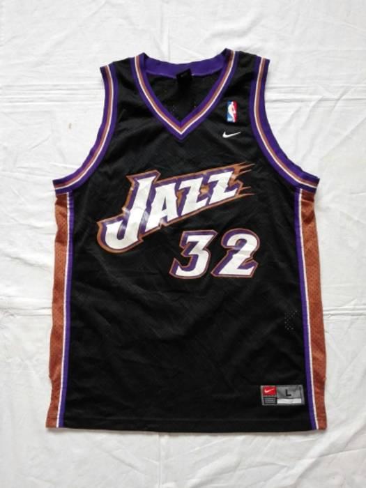 Nba Vintage Utah Jazz  32 Karl Malone NBA Nike Jersey Size Large ... af8c53f92