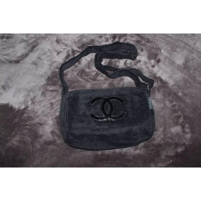 ea79dffea5a8 Chanel Black Plush Chanel Messenger   Shoulder Bag Size one size ...