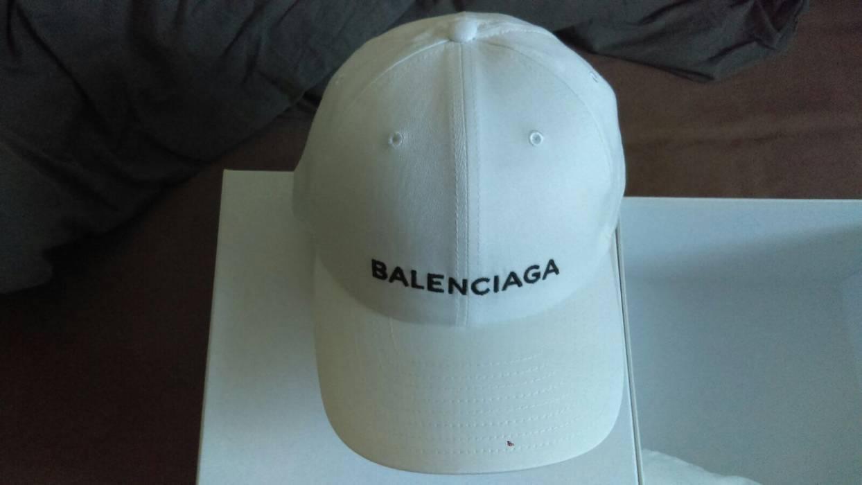 d20fb4edf59 Balenciaga SS17 baseball Cap Size one size - Hats for Sale - Grailed