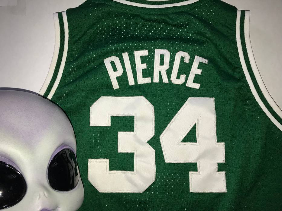 9ddf8e155 Vintage 2004 PAUL PIERCE Stitched Reebok Boston Celtics NBA Jersey Size US  S   EU 44