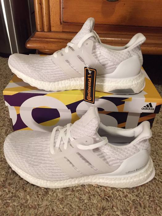2828dc514c215 Adidas Ultra Boost 3.0 All White Size 9 - Low-Top Sneakers for Sale ...