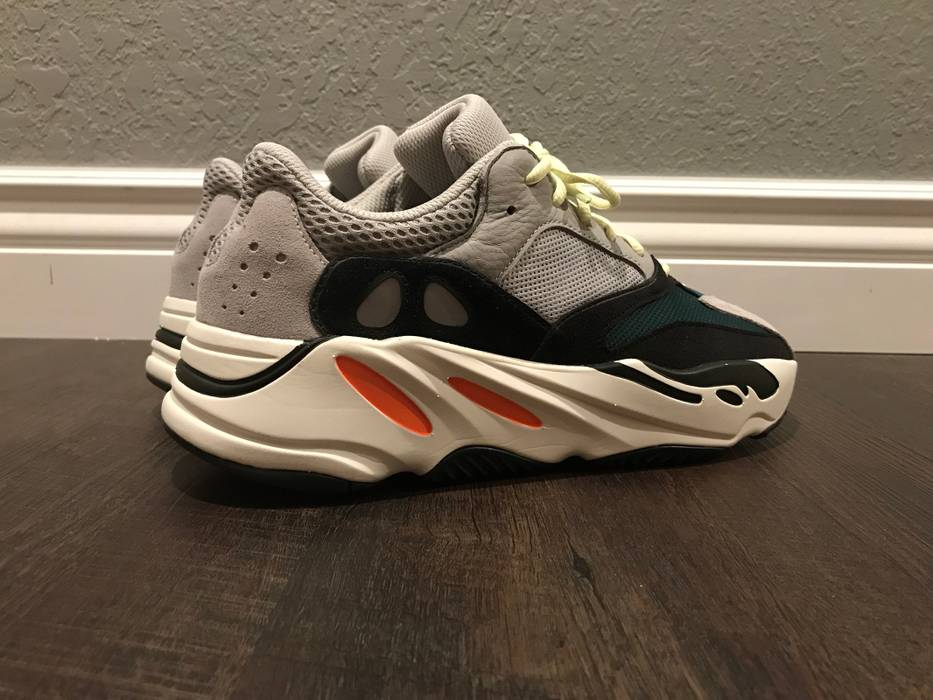 1027095ff51 Yeezy Boost Yeezy Boost 700 OG Wave Runner Size 11 - Low-Top ...