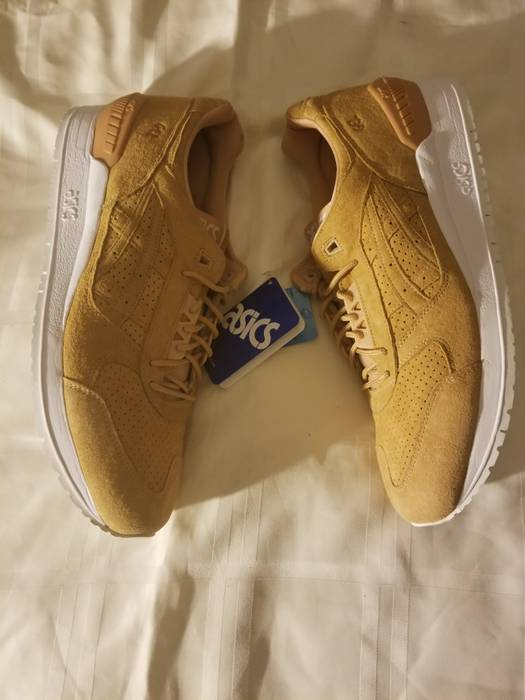 Asics 🌟Gel-Respector Clay 🌟 Size 13 - Low-Top Sneakers for Sale ... 8710b3baf0
