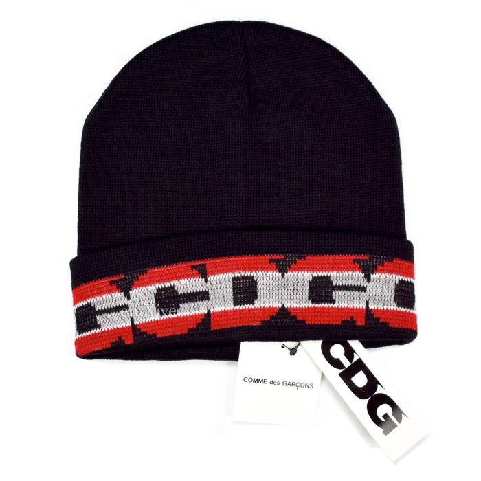 Comme des Garcons CDG Black   Red Logo Knit Beanie DS Size one size ... dcd71599279