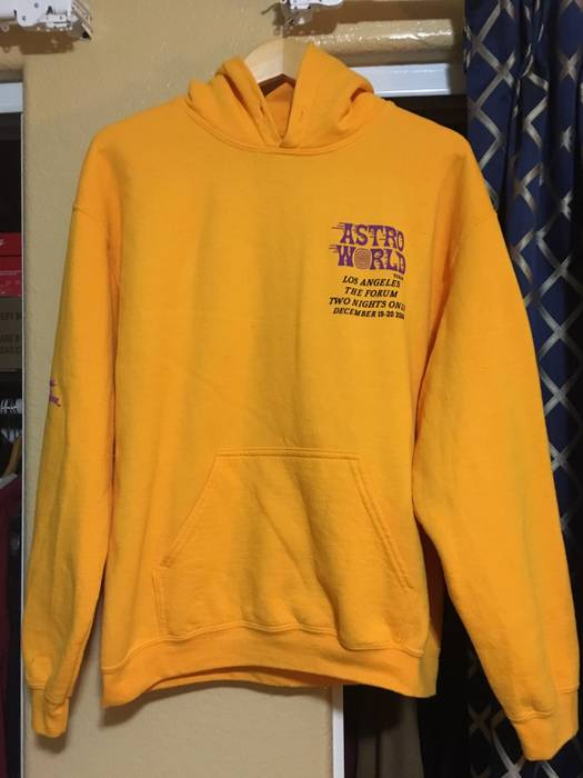 b45478e6e Travis Scott Astroworld Tour Los Angeles Merch Size s - Sweatshirts ...