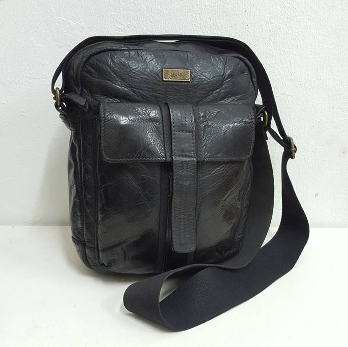 3a51c07d6c87 Hugo Boss Authentic Hugo Boss Leather Slingbag Size one size - Bags ...