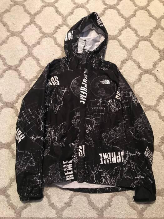 Supreme Supreme X North Face Venture Jacket Size M Light Jackets
