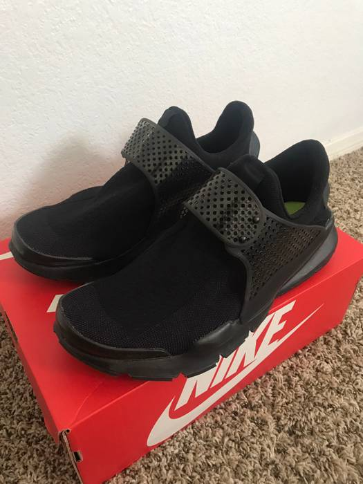 wholesale dealer d0e0a 9a341 Home Shop Footwear Low-top Sneakers. Slide 1 of 7. Nike Men s Nike Sock Dart  Triple Black Size US 11   EU 44