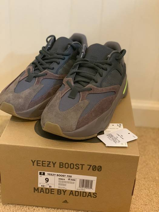 e03216d1445 Yeezy Boost Yeezy 700 Mauve Size 9 - Low-Top Sneakers for Sale - Grailed